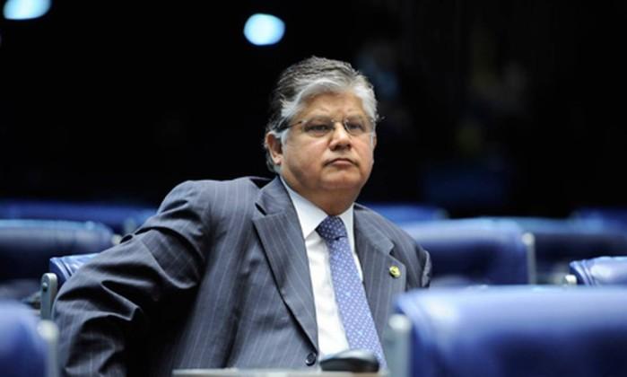 Renúncia de gastos do governo federal preocupa ClésioAndrade